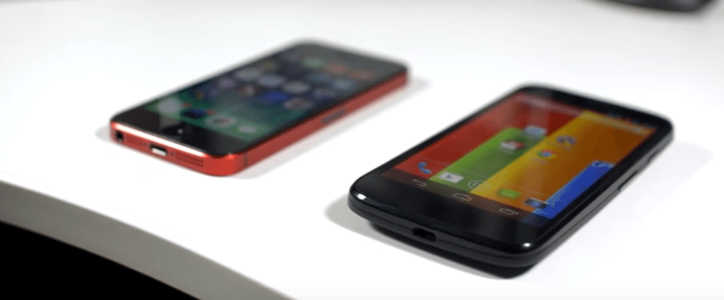 Moto G i Iphone 5 (źródło: Tom Rich)