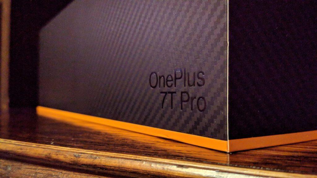 OnePlus 7T Pro Mclaren Edition box_5