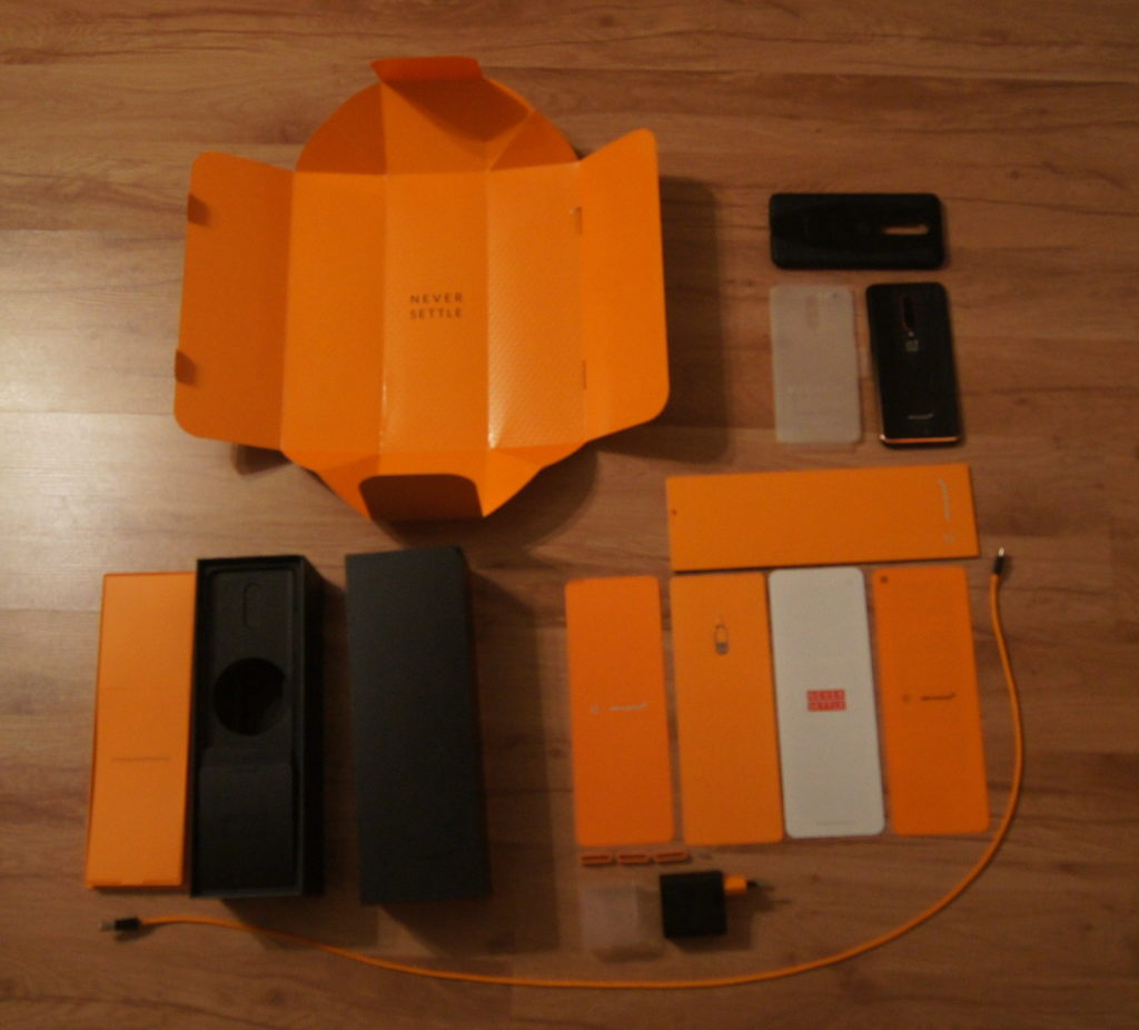 OnePlus 7T Pro McLaren Edition box_1