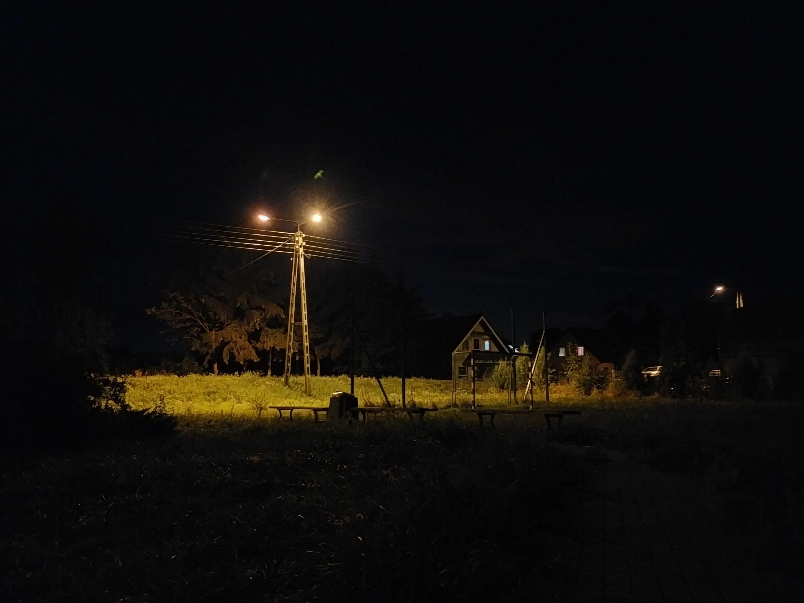 OPPO A72 - main111 - Night