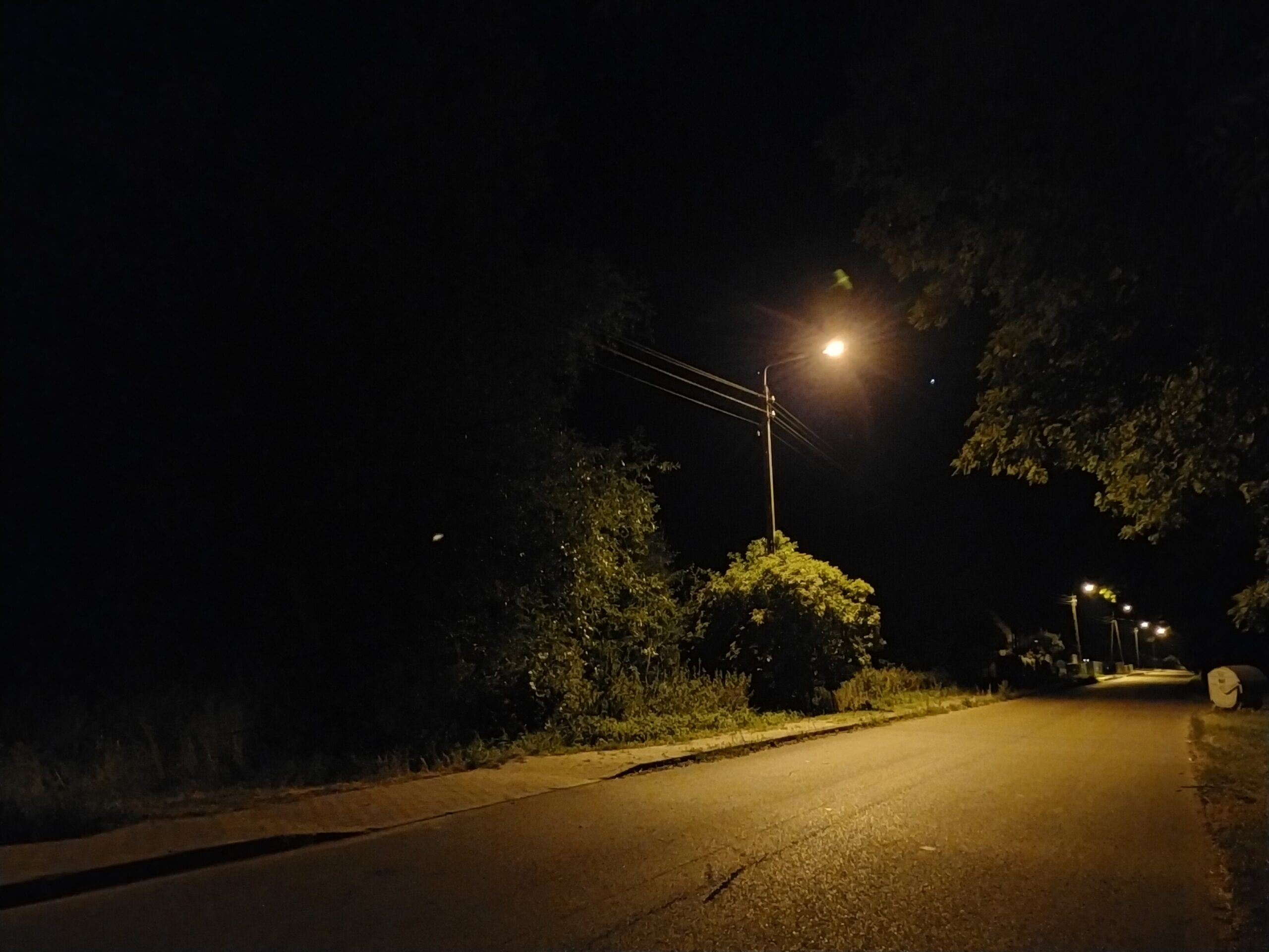 OPPO A72 - main113- Night