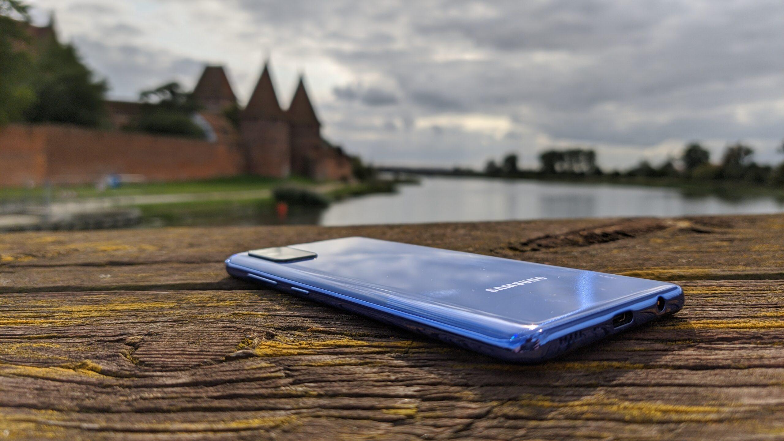 Galaxy A41 design1