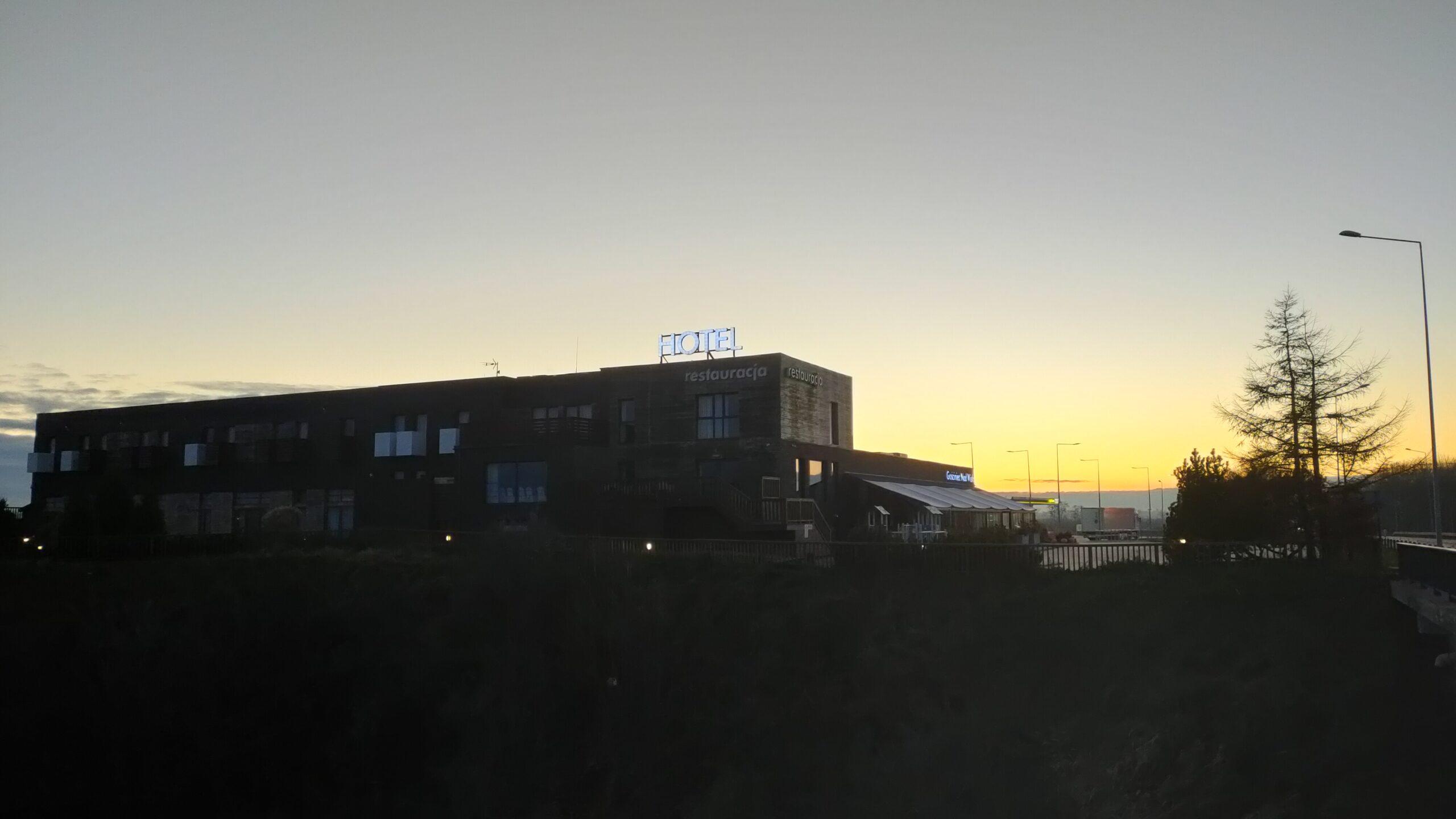 OPPO Reno4 - main69